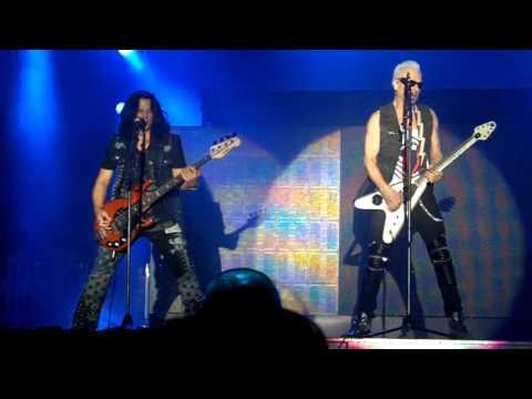 06. Scorpions - Tease Me Please Me LIVE Carolina Rebellion 2016