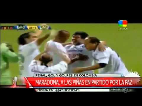 Maradona por la paz, pero a las piñas