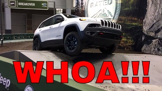 Cherokee Trailhawk vs. Wrangler Rubicon Off-Road Course!!!