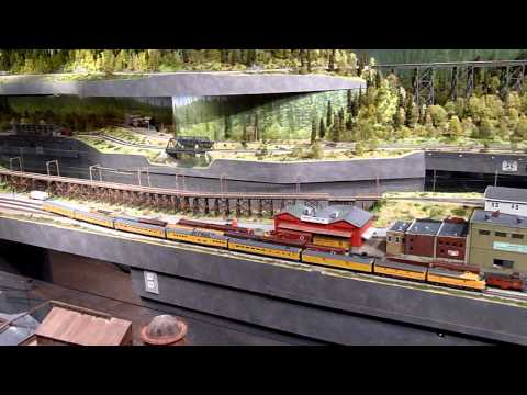 HO scale model RR layout at Washington State History Museum pt 1