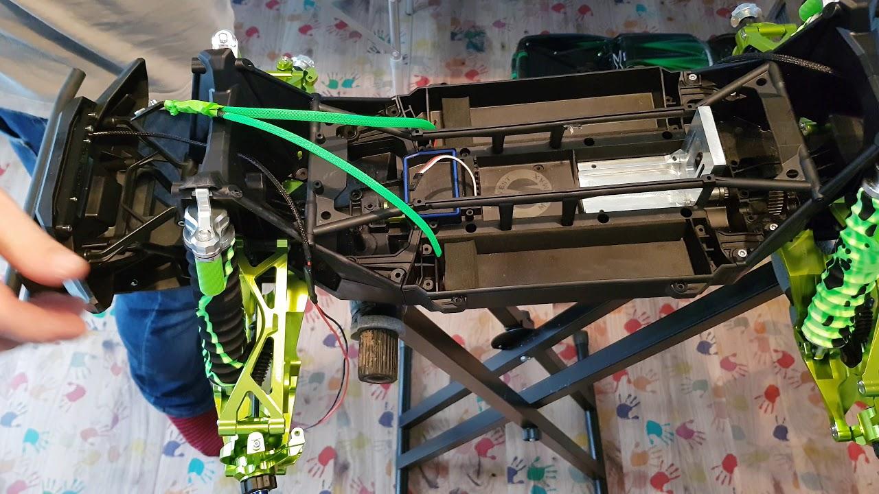 traxxas x maxx hulk maxx 2085x servo install and steering assembly [ 1280 x 720 Pixel ]