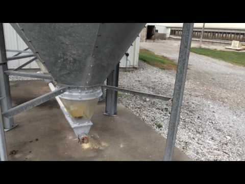 Universal fix for feed bins