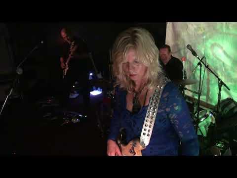 Mermen at Moe's Alley 8/12/2017 - New Song / She Dances In Her Sleep / Unto The Resplendent