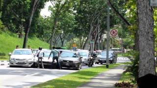 This happen at bukit batok west ave 2 blk,315 time,13.17pm this afternoon