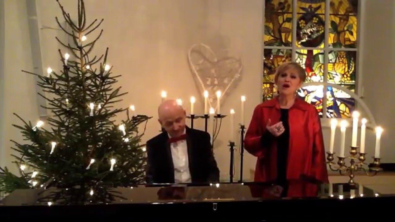 Jul, jul,strålande jul (Swedish traditional Christmas song, live ...