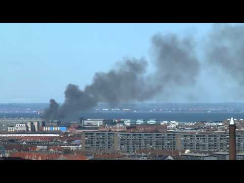 kæmpe brand på experimentarium hellerup københavn - huge fire - feuer - fuego