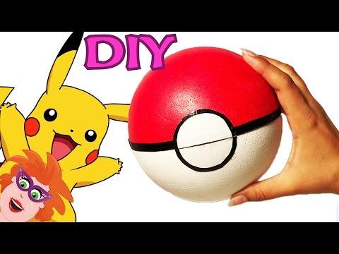 Pokemon surprise knutselen - Pokebal knutselen van een piepschuim bal.