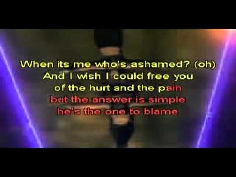 Beyonce y Shakira   Beautiful Liar karaoke LoudTronix com