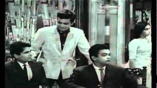 Aaya Hai Mujhe - Mukesh