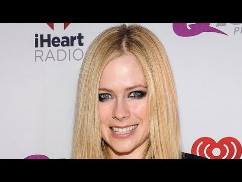 Avril Lavigne RESPONDS to Theory She DIED Years Ago Mp3