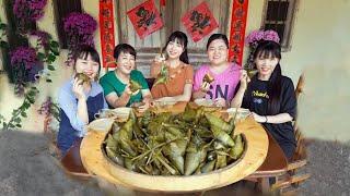 Dragon Boat Festival Ankang, Yi Tiantian invites friends to eat bacon sausage dumplings 甜甜教大家包粽子