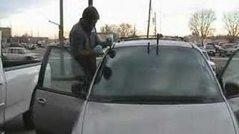 Windshield removal to install new windshield