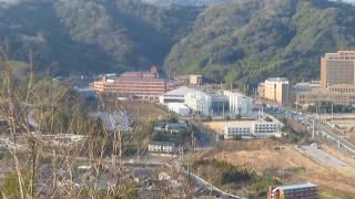 高知医療センターを大平山から見た。