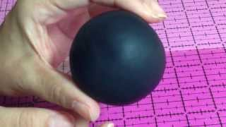 How to cover a ball with gumpaste to make Mickey / Minnie
