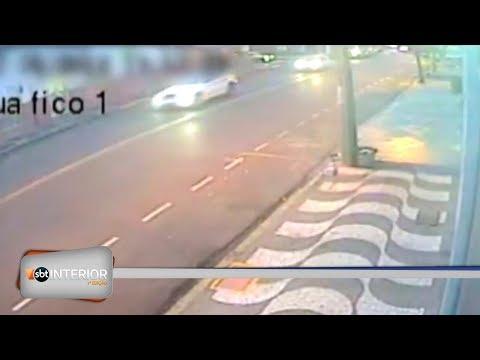 Câmera registra acidente grave em cruzamento de Araçatuba