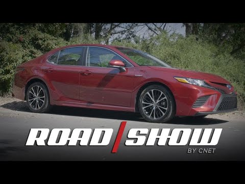 On Cars - New 2018 Toyota Camry Hybrid scores huge on fuel economy