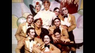 Mystic Knights Of The Oingo Boingo - Hipsters On Parade (1978 live)