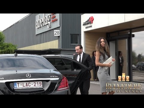 V.I.P Client welcomed by an hostess at Brussels Airport Private Jets - Belvédère Limousines S 108
