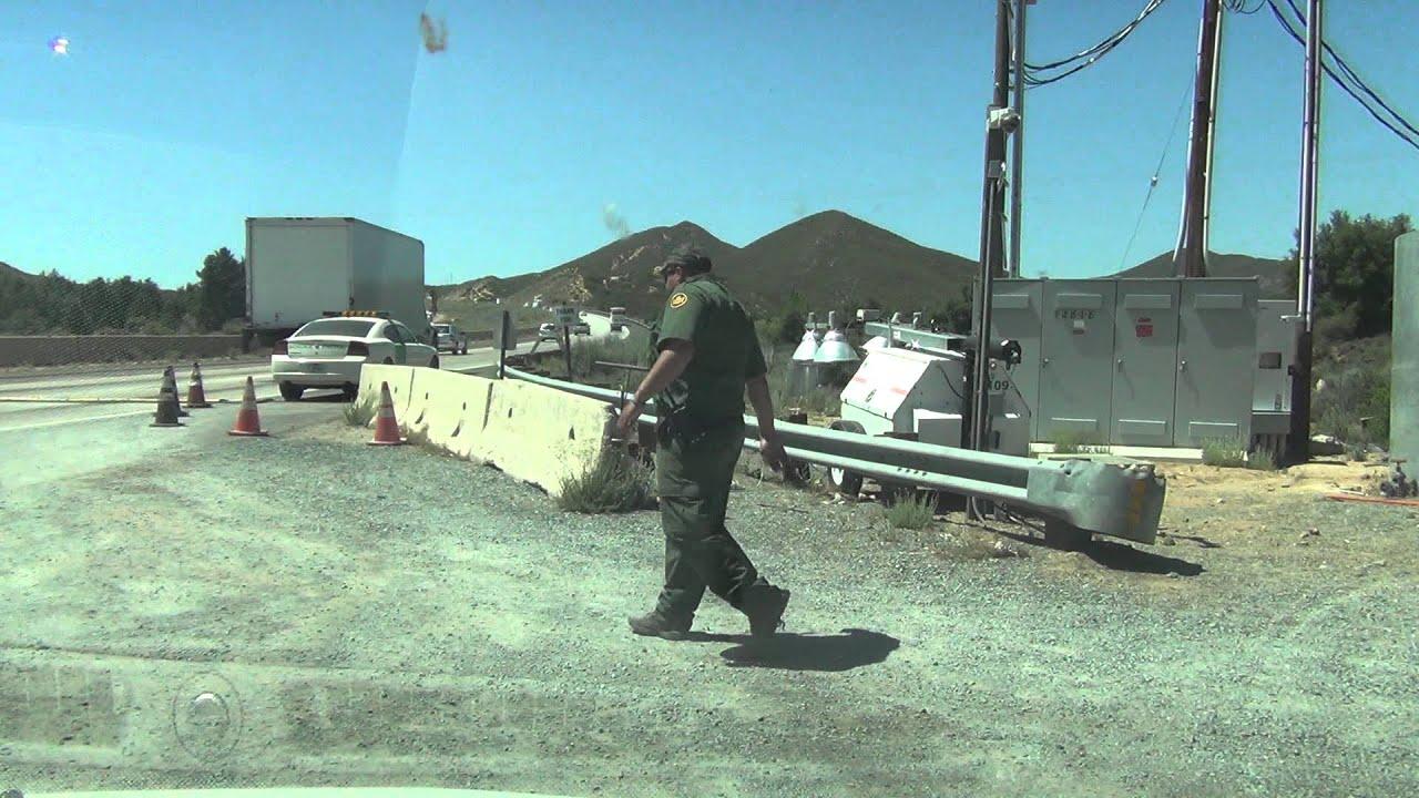 I-8 Freeway traffic passes US Border Patrol Checkpoint ...
