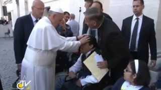 Repeat youtube video El papa Francisco hizo un exorcismo