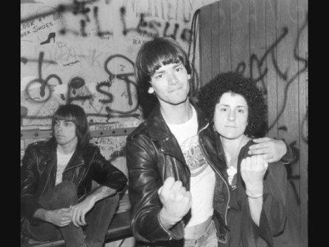 The Ramones - Howling At The Moon (Live 1984)