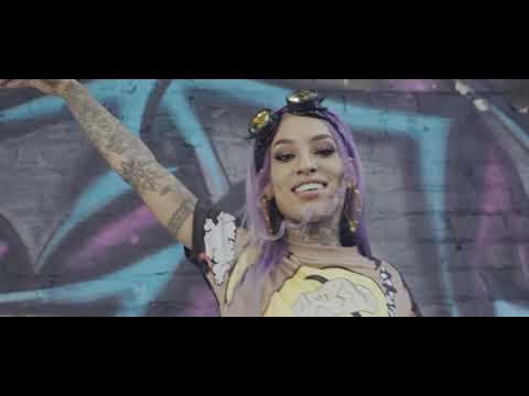 Neisha Neshae - Me And My Dawgs Feat. Kevo Hendricks (Official Video)