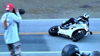 R6 Crashes into Parked Motorcycles 3/03/2012
