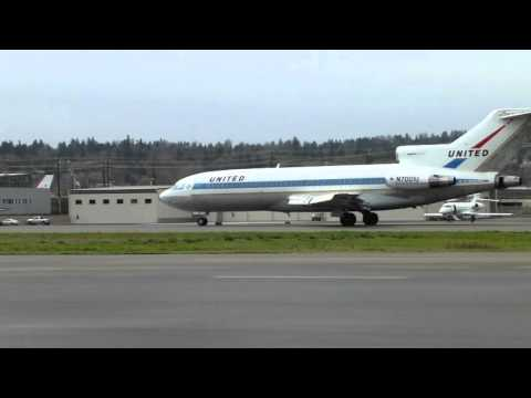 Last ever landing of first ever Boeing 727 at Boeing Field Seattle March 2nd 2016