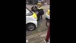 Politie agent met opscheertje slaat Marokkaan het ziekenhuis in omdat hij met K#NKER scheld!