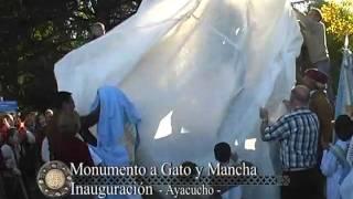 Mostrando lo Nuestro - Monumento a Gato y Mancha - Ayacucho