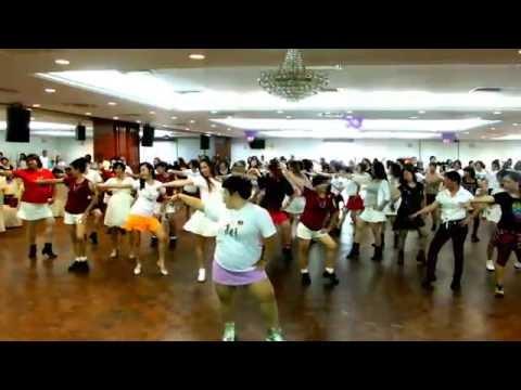 DONG TIAN LI DE YI BA HAO- 冬天裡的一把火-Line Dance (by Little Sweetie & Jennifer Jou)