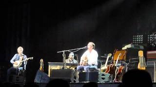 Joe Bonamassa - Stones In My Passway (Acoustic) @ Mitsubishi Electric Halle-Düsseldorf - 2014.02.25