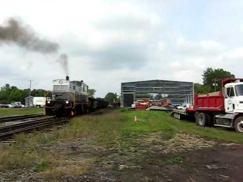 Delaware-Lackawanna 1044 Throttles Up at Batavia on the DLWR