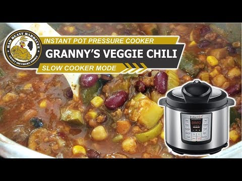 How To Make Vegetarian Chili In The Instant Pot (Slow Cooker Mode)