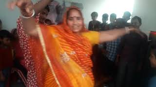 Pintu dancer hot dance