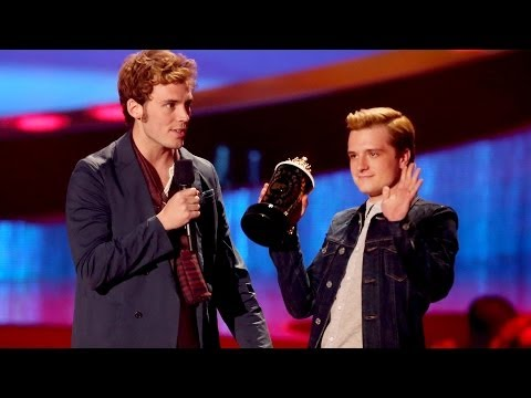 Josh Hutcherson, Jennifer Lawrence, Catching Fire Win Big at MTV Movie Awards 2014