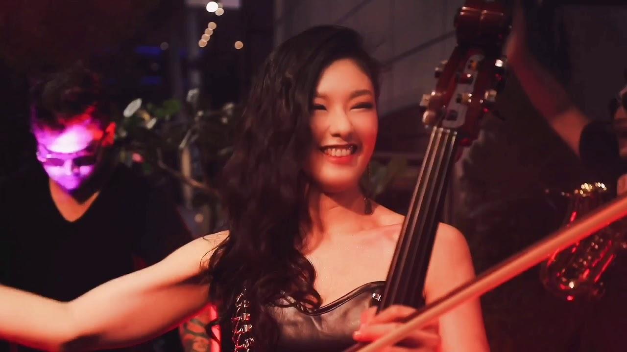 .:[URBAN 賀本音樂設計]:. 時尚電音跨界大提琴 嫚凌風靡全場開場秀