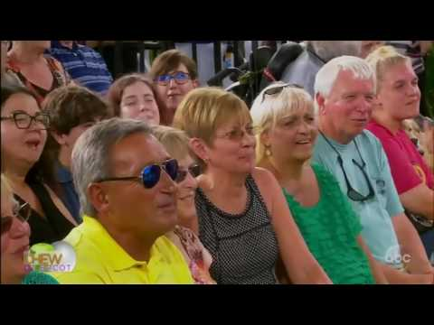 The Chew (October 13, 2016) Actor Scott Foley; chef Rick Bayless