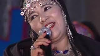 Azul Agma  Fatima Tabaamrant