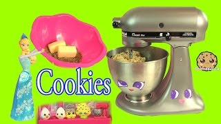 Baixar Queen Elsa from Disney Frozen Makes Homemade Chocolate Chip Cookies - Cookieswirlc Video