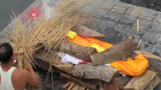 Hindu Cremations at Pashupatinath Temple in Kathmandu Nepal thumbnail