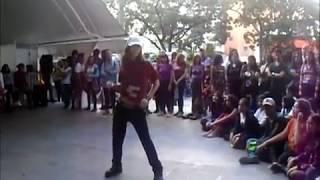 Charles Duar bailando k-pop en el Millennium Mall, Diciembre 2018 (Caracas-Venezuela)