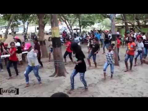 Goyang Papua Hits Lagu : Rap Bintuni   Sa Tinggal Toki Halus Ft Vallen Bea