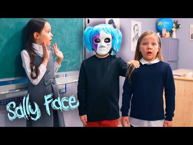 МЕНЯ ПЕРЕВЕЛИ В КЛАСС к САЛЛИ КРОМСАЛИ! Sally Face в реальной жизни!
