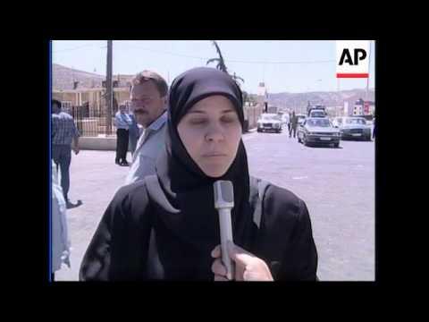 Lebanese refugees return home from Syria