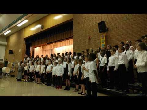 Four Seasons Elementary sings Shalom by Teresa Jennings 4K