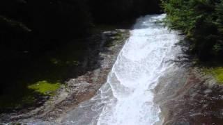 日本の滝百選に選定されている『雪輪の滝』 足摺宇和海国立公園 滑床渓...