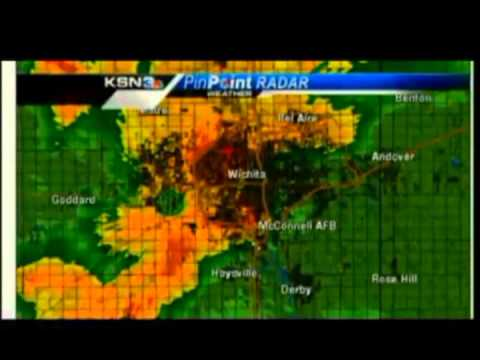 5-19-13 Wichita Tornado (KSN Seeks Shelter)