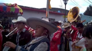BANDA REYNA DE HUAJUAPAN ~ NO SEÑOR APACHE ` EN EL CARNAVAL DE SANTA MARIA 09-03-14