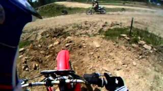 Pista de Motocross Particular Lucas Kerschner Piloto Pereira 1ª vez pilotando moto !!!.AVI
